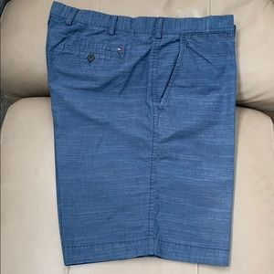 EUC Tommy Hilfiger flat front Bermuda shorts